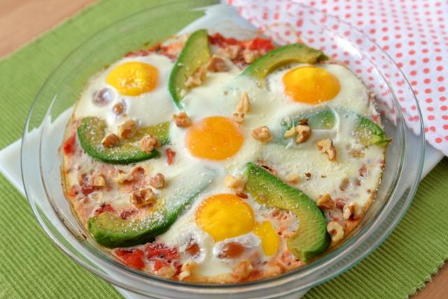 jajka na pomidorach i awokado