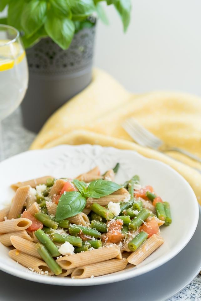 makaron z zielona fasolka i pomidorami (2)