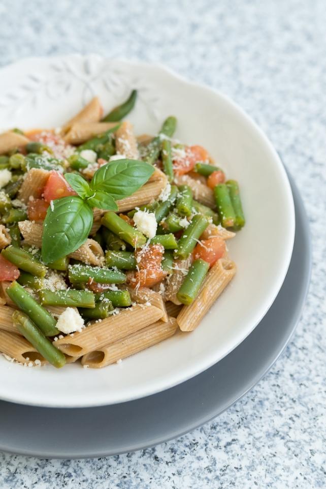 makaron z zielona fasolka i pomidorami (3)