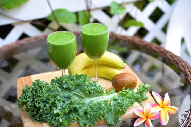 smoothie jarmuz banan kiwi
