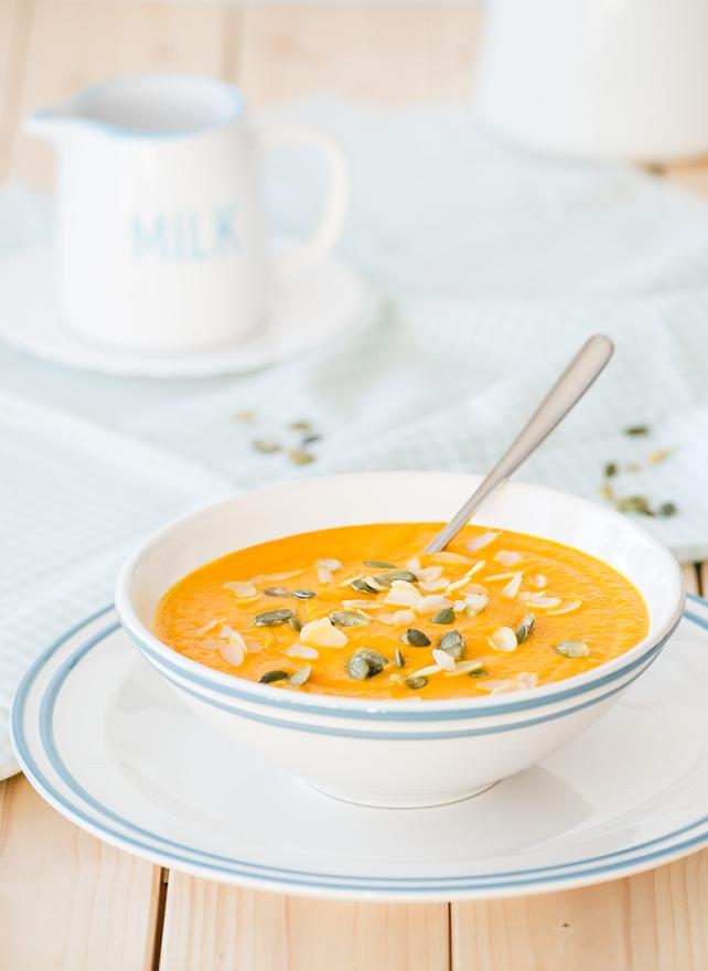 zupa-marchewkowa-z-mleczkiem-kokosowym